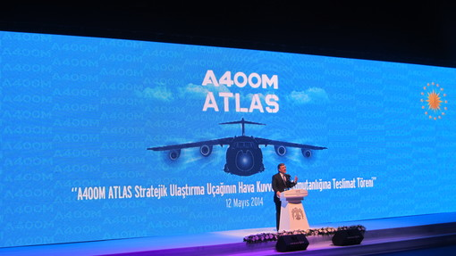The Turkish President Gül welcomes the first A400M