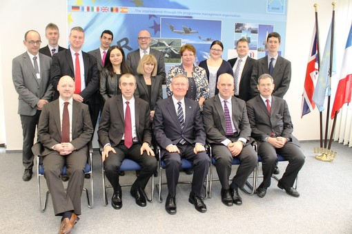 image of Industry, Participating States' and OCCAR-EA teams during the Contract Signature ceremony on 27 March