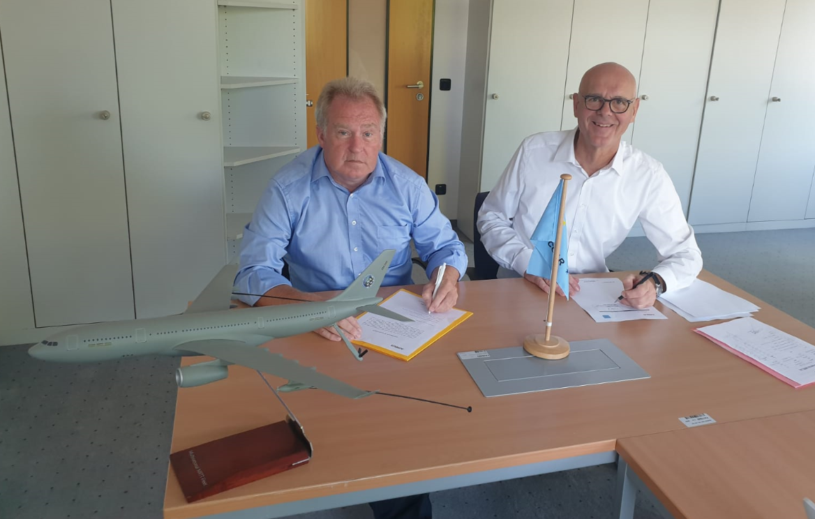 The Acceptance Team Leader Andrew DOUGLAS (OCCAR) and the Commercial Officer Paul FRANKE (OCCAR) signed the CERTIFICATE OF ACCEPTANCE and the COMMITMENT LETTER for the second MMF Aircraft remotely in Bonn/Germany