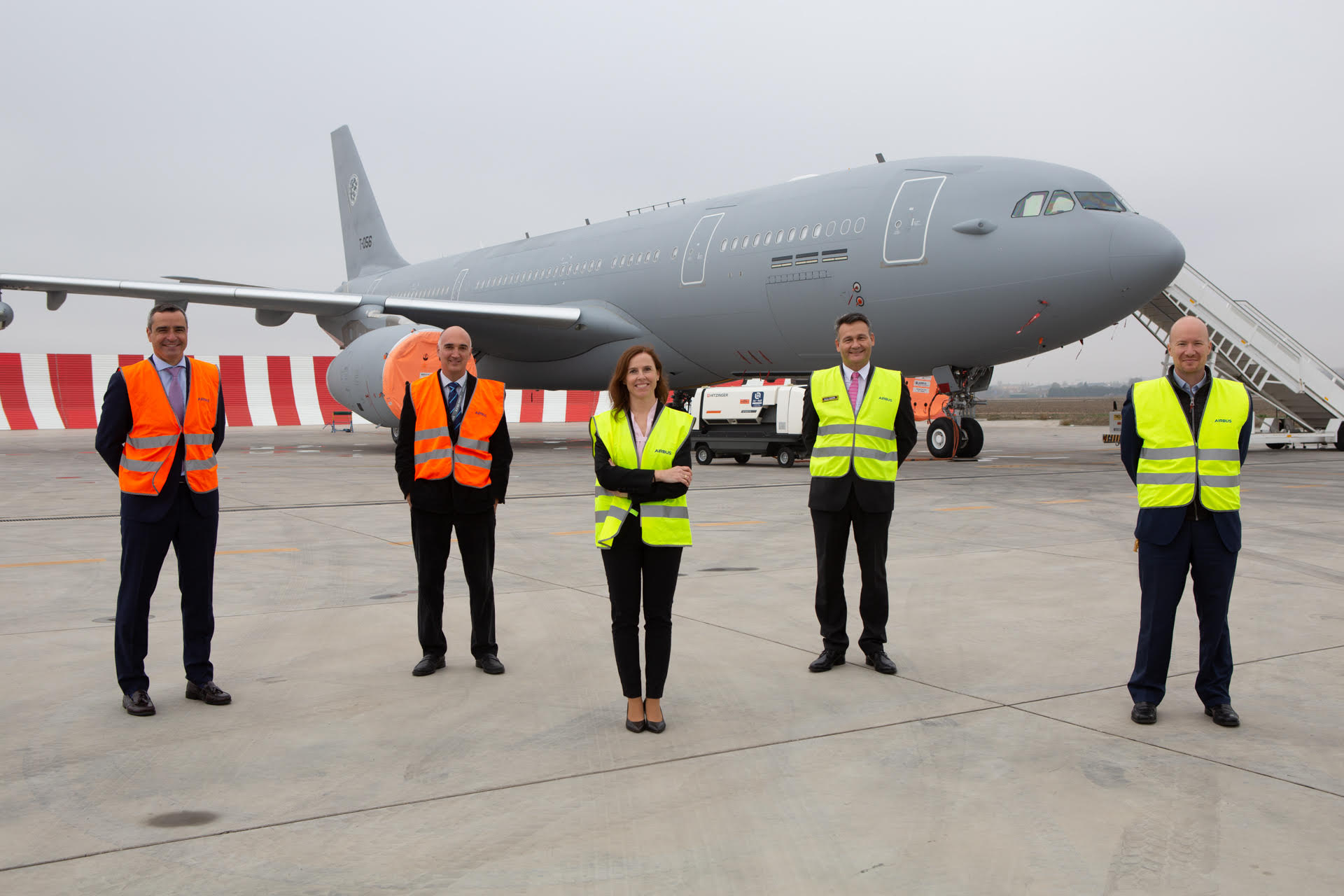 Copyright: Airbus DS MMF aircraft T-056 with representatives from AIRBUS DS, OCCAR and NSPA before take-off in Getafe / Spain. Angel SAIZ PADILLA (NSPA), Jose Alfonso MONGE ALCOL (OCCAR), Cristina AGULIAR GRIEDER ( AIRBUS DS, MRTT & Head of Airbus Derivatives), Rodrigo CAMINERO GARCIA (AIRBUS DS) and Adolfo DEL HOYO BARAHONA (AIRBUS DS), from left to right.