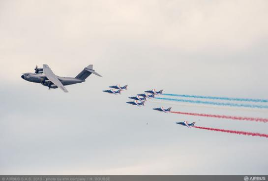 A400M opens the show at Le Bourget