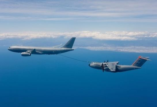 A400M - MSN1 makes first refuelling contacts with A330 MRTT